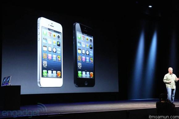 iPhone 5 มีสองสี ขาวดำ