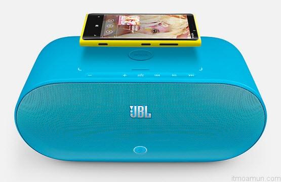 JBL PlayUp  Portable Wireless Speaker