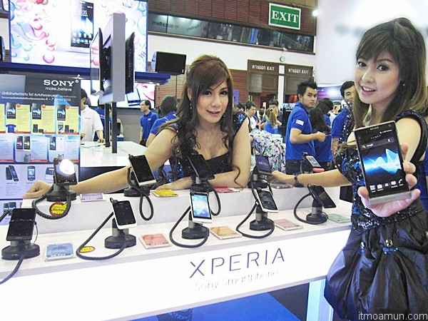 Sony Xperia™ SL ในงาน Thailand Mobile Expo 2012