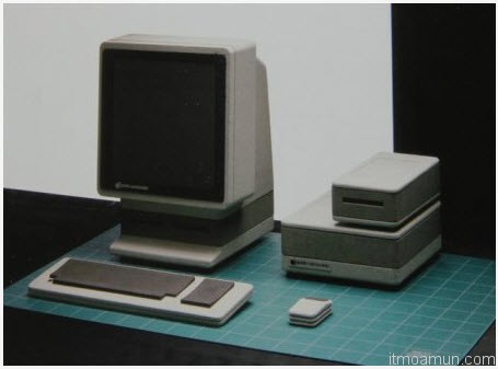 """Sony Style"" Apple desktop PC concept of 1982"