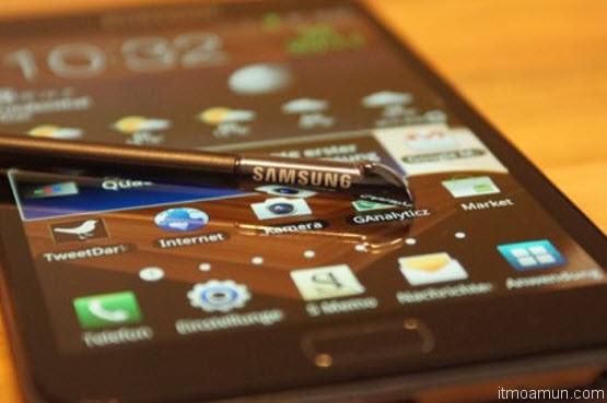 Samsung Galaxy S IV มี S Pen