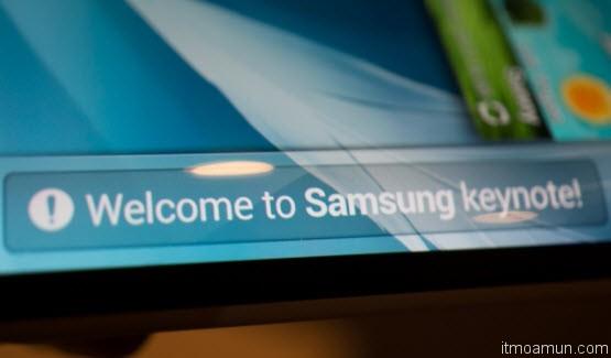 Samsung flexible OLED มือถือต้นแบบ หน้าจอพับยืดหยุ่นได้