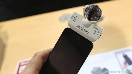 Zoom iQ5 ไมโครโฟนระบบ Stereo เชื่อมต่อ iPhone