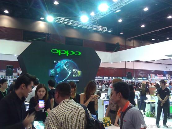 บูธ OPPO ในงาน thailand mobile expo 2013