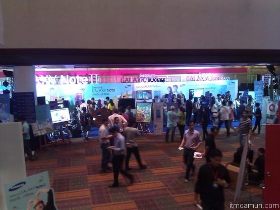 บริเวณหน้างาน thailand mobile expo 2013