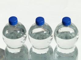 ขวดน้ำพลาสติกติดเชื้อ
