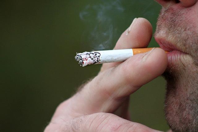 การสูบบุหรี่