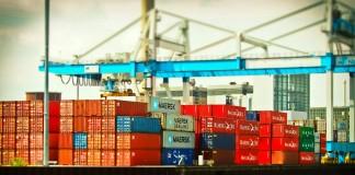 การขนส่งทางเรือในตลาดซื้อขายสินค้า